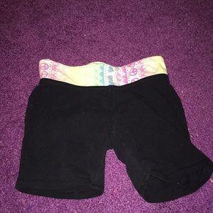 Black workout shorts for tweens